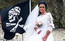 """Người phụ nữ kết hôn với """"hồn ma cướp biển 300 tuổi"""" rồi li dị vì cảm thấy bị lợi dụng"""