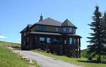 Không thể bán dinh thự 30 tỷ, bà chủ Canada quyết định tặng nhà cho người văn hay chữ tốt