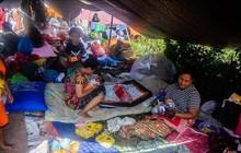 6.000 trẻ em Indonesia vẫn phải sống trong lều tạm sau thảm họa động đất sóng thần