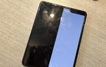 Bóc lớp bảo vệ màn hình có thể là nguyên nhân khiến hàng loạt Galaxy Fold bị hư hỏng nặng