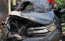 Nắng nóng đỉnh điểm,ô tô tiền tỷ bỗng dưng bốc cháy ngùn ngụt