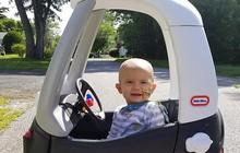 Thấy đầu con nghiêng nhẹ sang phải, bố mẹ không ngờ con trai 3 tháng tuổi bị bệnh ung thư nghiêm trọng đến thế