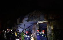 Hà Nội: Cháy xưởng nhựa trên phố Tân Mai, hai người may mắn chạy thoát