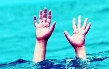 Mẹ đi tìm 2 con phát hiện cả hai đuối nước nổi lên trong ao
