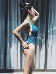 """Không phải Elly Trần hay Thủy Top, đây mới là cô nàng có vòng 1 tự nhiên """"khủng"""" nhất showbiz Việt!"""