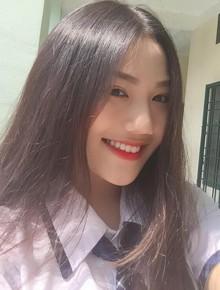 Nữ sinh Sài Gòn sinh năm 2002 được đặt tên là Triệu Vy vì mẹ mê Hoàn Châu Cách Cách
