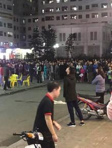 Phát hiện thi thể bé sơ sinh ở chung cư Linh Đàm, hàng trăm người dân tập trung theo dõi