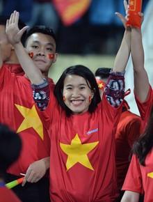 Cả nước hướng về trận cầu lịch sử của đội tuyển Việt Nam: Không khí cổ động tưng bừng, tràn đầy niềm tin chiến thắng