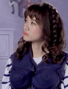 Trấn Thành xúc động khi Hari Won chia sẻ lý do chưa sẵn sàng có con trên sóng truyền hình