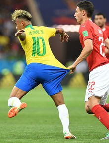 TRỰC TIẾP (H2) Brazil 1-1 Thụy Sĩ: Firmino đánh đầu cận thành