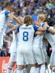 TRỰC TIẾP Nigeria - Iceland: Argentina nín thở chờ phép màu