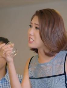 """Clip hot nhất đêm nay: Hân Hoa Hậu tạt nước, bạt tai khi đánh ghen thay chị gái ở """"Gạo Nếp Gạo Tẻ"""""""