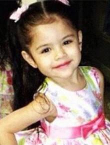 Selena Gomez đã tròn 26 tuổi và đây là loạt ảnh chứng minh nhan sắc cô từ bé đến lớn vẫn như một thiên thần!