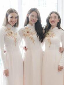 Cận cảnh dàn phù dâu xinh như hoa trong lễ ăn hỏi của Lan Khuê: Người Á hậu, người nổi tiếng nóng bỏng
