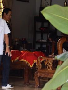 Gia đình Trường Giang đã chuẩn bị tráp lễ tới nhà Nhã Phương rước dâu, chú rể vẫn chưa xuất hiện