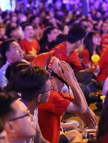 CĐV tiếc nuối khi ĐT Việt Nam bỏ lỡ cơ hội dẫn trước Nhật Bản trong trận tứ kết Asian Cup 2019