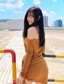 """Girl ĐH Kiến trúc sinh năm 2000 được báo Trung khen nức nở: """"Chân dài, da trắng, body S-line cực phẩm"""""""
