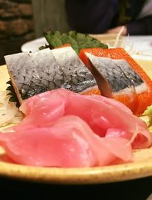 """Đi 4 người nhưng chỉ trả tiền 2 suất buffet, mẹ trẻ Hà Nội bị nhà hàng sushi tố ngược rằng """"lách luật"""" để cho con ăn ké?"""