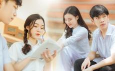 Bộ ảnh dắt em qua thanh xuân của đôi bạn trường Chu: Năm 17 tuổi, em đến bên tôi như định mệnh
