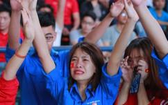 Hàng triệu người hâm mộ vỡ òa hạnh phúc khi U23 Việt Nam tiến thẳng vào chung kết