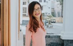 Cô bạn 9x xinh xắn, là thủ khoa đầu vào và tốt nghiệp Đại học Hà Nội, từng tháp tùng Bộ trưởng Bộ thương mại Indonesia tại APEC