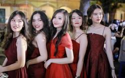 Nữ sinh Chu Văn An xinh ngẩn ngơ trong đêm tri ân/ trưởng thành