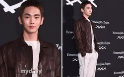 Key (Shinee) bất ngờ đổi style nam tính nhưng điều netizen chú ý lại là cặp lông mày lạ lùng của anh