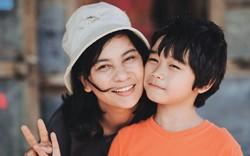 Hạnh phúc của mẹ: Đẫm nước mắt song vẫn tràn ngập màu sắc lạc quan