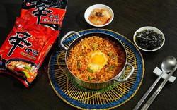 Cần gì ra quán, chỉ cần chưa đầy 10 phút là có thể thưởng thức món mì cay ngon đúng vị Hàn Quốc