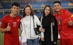 Trước giờ ra sân thi đấu, Đình Trọng vẫn không quên gọi video chúc mừng sinh nhật bạn gái Tiến Dũng