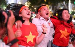 CĐV hò reo khi Đức Chinh lập siêu phẩm giúp U23 Việt Nam dẫn trước 1 - 0