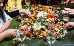 Ăn tiệc kiểu người Philippines: không muỗng, không đũa, không cả bát đĩa, thức ăn được bày trên lá chuối
