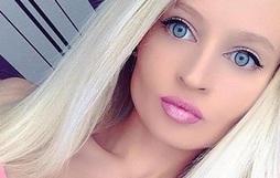 Búp bê Barbie phiên bản người xinh đẹp nhưng không phải do phẫu thuật thẩm mỹ