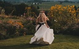 7 việc mà trước khi lấy chồng bất cứ cô gái nào cũng nên thử một lần kẻo phí quãng thanh xuân!
