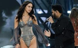 Khoảnh khắc gặp lại bồ cũ của Bella Hadid và The Weeknd tại Victoria's Secret khiến dân mạng bình luận rầm rộ