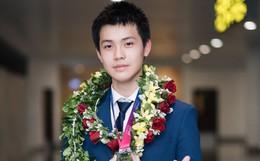 Nam sinh 2002 đẹp trai như nam thần, giành HCB Olympic Thiên văn học Quốc tế: Mê chơi LOL, đang tập gym để có 6 múi