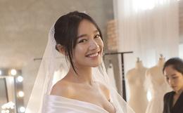 Trước hôn lễ 1 ngày, loạt ảnh hậu trường thử váy cưới của Nhã Phương chính thức được hé lộ