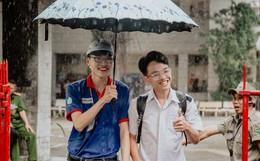 Thi THPT Quốc gia 2019 buổi thứ 2: Kết thúc môn thi Toán, thí sinh tươi cười vì đề dễ và làm được bài