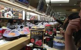 Một gia đình Nhật tán gia bại sản vì trò đùa dại dột của con trai tại chuỗi sushi băng chuyền