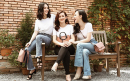 Hai chị em Angela Phương Trinh quấn quýt bên mẹ