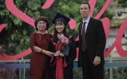 """Lễ tốt nghiệp """"màu hồng"""" của khóa học sinh đầu tiên tại TH School: Vào trường là quyết định liều lĩnh nhất cuộc đời nhưng không bao giờ hối hận"""