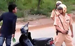 Tài xế phạm luật còn đánh CSGT rồi tông vào xe đặc chủng để tẩu thoát