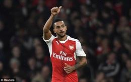 TRỰC TIẾP Arsenal 1-1 Stoke City (HT): Walcott gỡ hòa cho Pháo thủ