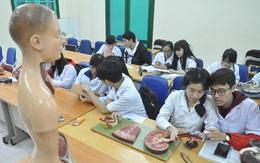 Phải có một kỳ thi quốc gia cho sinh viên Y khoa