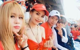 Fan nữ Việt Nam gây sốt trên khán đài World Cup vì quá sexy