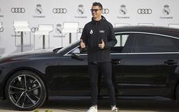 Ronaldo khoe xe sang Audi 4,5 tỷ đồng mới được tặng