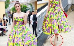 """Hoa hậu Mỹ Linh """"lênh khênh"""" với giày 20cm đến thảm đỏ show thời trang"""