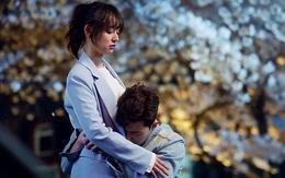 Park Seo Joon ôm chặt Kim Ji Won, mếu máo xin chơi chung