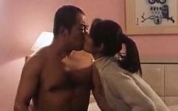 """Cảnh giường chiếu của Lâm Tâm Như và """"Càn Long"""" cách đây 17 năm bất ngờ hot trở lại"""
