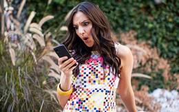 Cong vẹo cột sống vì nhìn smartphone sai tư thế - Làm sao để sửa ngay trong 5 phút?